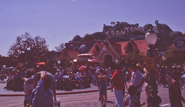 011 Disneyland