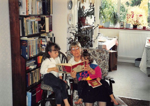 01 At Mum & Dads 1994