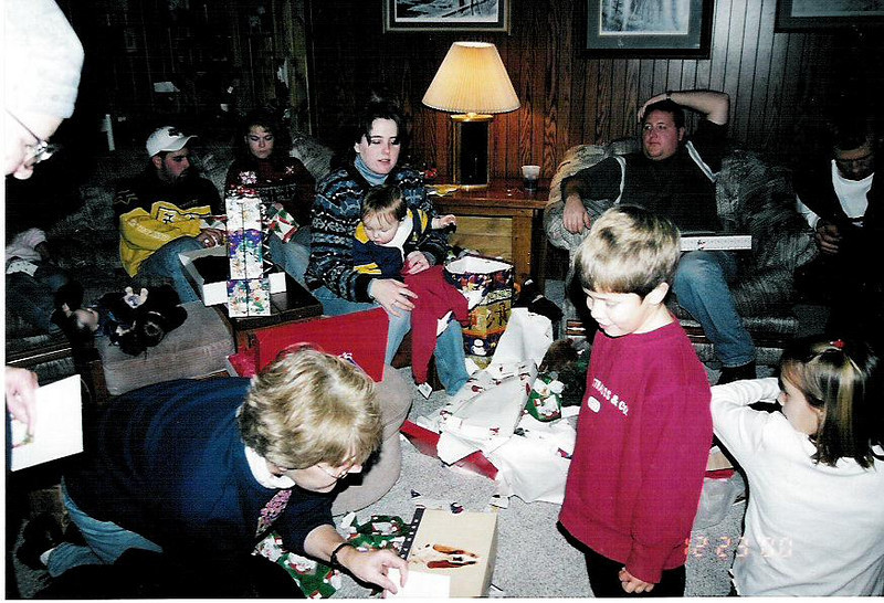 Cole's first Christmas, December, 2000.  This was the Banker extended family.