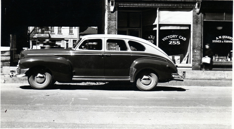 Victory Cab (note the new car)