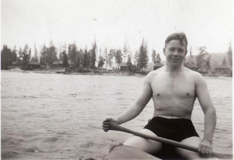 Dad canoeing at Algonquin