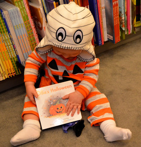 Impromptu photo shoot at Barnes & Noble today. Oliver is wearing the hat that his Aunt Christina bought him.