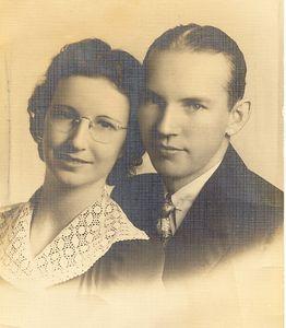 Mollie_Charles_Crosby_1940