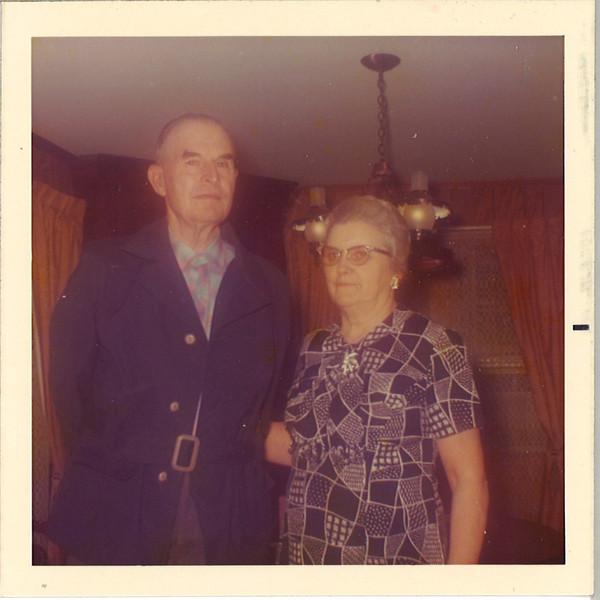 Norris and Annis at grannys .jpg