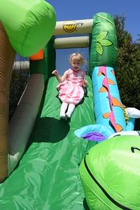 Jaimies Bouncy Castle Jun 2015 002