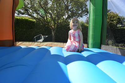 Jaimies Bouncy Castle Jun 2015 013