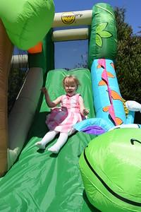 Jaimies Bouncy Castle Jun 2015 005