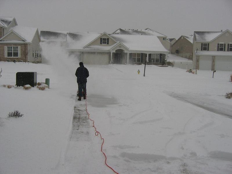 Jack Snowblowing Driveway -<br /> Feb 07 Snowstorm