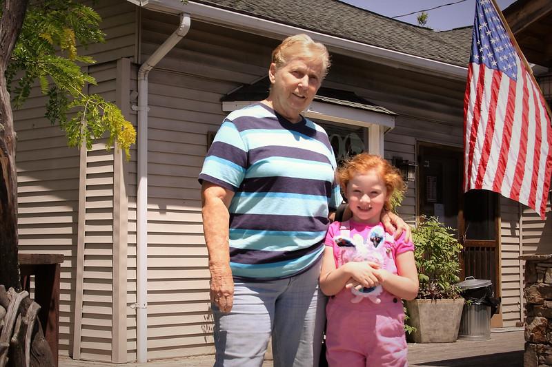 Helen and Josie in Carolina