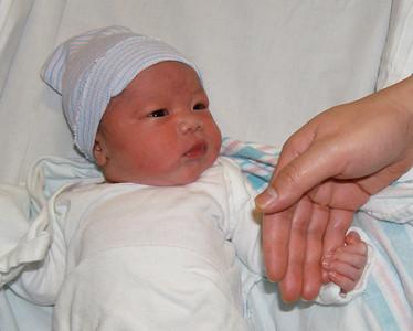 2006-04-05 Alan is born