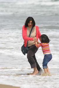 Aamara and her daughter Sarah doing the dash.
