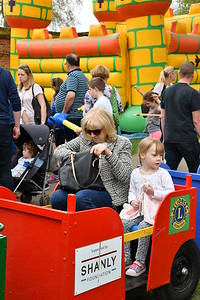 Jaimie at Marlow May Fayre May 2016 001