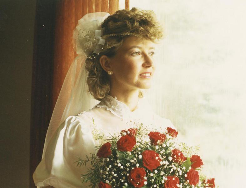 0717080002-Wedding-Window