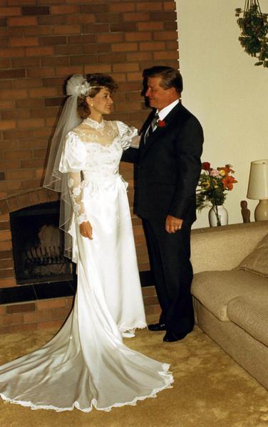 0717080002-Wedding-Lisa-Dad-Fireplace