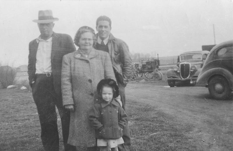 Earl, May, Gene Barbara Roberts-2