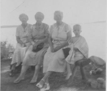 Grandma Bensheimer & sisters-2