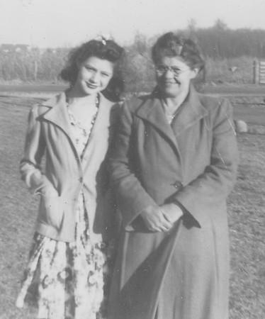 Hazel & daughter Francis II-2