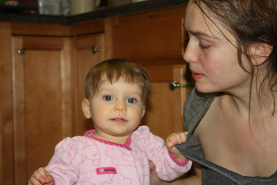 2012 12 25_Magiono's with Isabella_4985