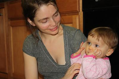 2012 12 25_Magiono's with Isabella_4991