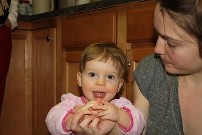 2012 12 25_Magiono's with Isabella_4994