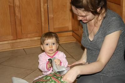 2012 12 25_Magiono's with Isabella_4973