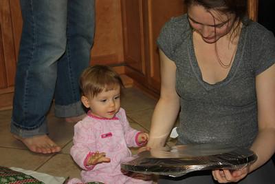 2012 12 25_Magiono's with Isabella_4976