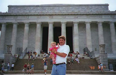 Uncle Andrew and Sydney Kane in front of the Lincoln Memorial