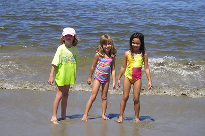 Sydney Kane, Nicole and Sierra enjoying a day at the beach with friends.