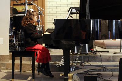 Sierra's 1st piano recital