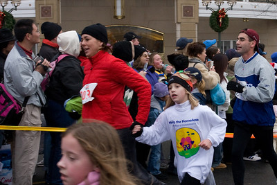 Sydney has been participating twice a week in a before-school program called Girls on the Run. The fall season finished with a 5K run during the 2nd Annual Girls on the Run Reindeer Romp. (Image taken with Canon EOS 20D at ISO 800, f9.0, 1/200 sec and 33mm)