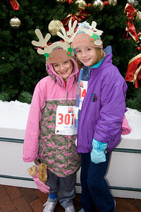 Sydney has been participating twice a week in a before-school program called Girls on the Run. The fall season finished with a 5K run during the 2nd Annual Girls on the Run Reindeer Romp. (Image taken with Canon EOS 20D at ISO 800, f5.0, 1/60 sec and 19mm)