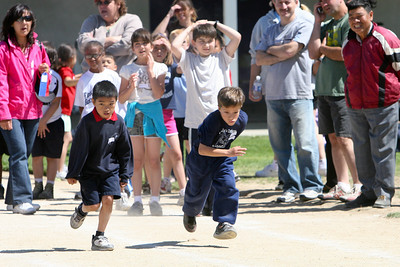 2007 Lutheran elementary school track meet. (Image taken with Canon EOS 20D at ISO 400, f5.6, 1/2000 sec and 175mm)