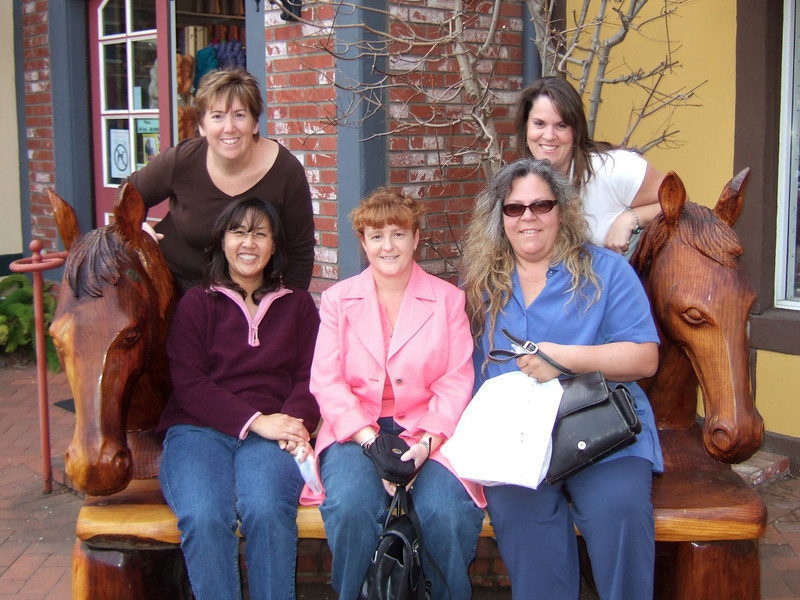 Girls' day out in Solvang (Image taken with FinePix F10 at ISO 200, f2.8, 1/419 sec and 8mm)