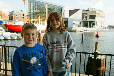 Christopher and Sydney enjoying a stroll around Baltimore's Inner Harbor after a day trip to the National Aquarium in Baltimore. (Image taken with Canon EOS-1DS at ISO 400, f10.0, 1/400 sec and 32mm)