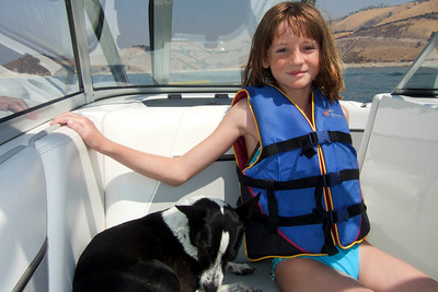 We visited the Roth family our first weekend in California, spending Saturday at Lake San Antonio where the kids rode the innertube and Nathan demonstrated his mastery of the wakeboard. (Image taken with FinePix F10 at ISO 200, f8.0, 1/800 sec and 8mm)