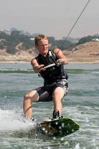 We visited the Roth family our first weekend in California, spending Saturday at Lake San Antonio where the kids rode the innertube and Nathan demonstrated his mastery of the wakeboard. (Image taken with Canon EOS DIGITAL REBEL XT at ISO 400, f8.0, 1/1600 sec and 120mm)