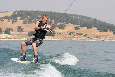 We visited the Roth family our first weekend in California, spending Saturday at Lake San Antonio where the kids rode the innertube and Nathan demonstrated his mastery of the wakeboard. (Image taken with Canon EOS DIGITAL REBEL XT at ISO 400, f8.0, 1/1600 sec and 75mm)