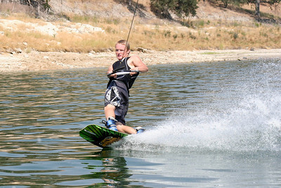 We visited the Roth family our first weekend in California, spending Saturday at Lake San Antonio where the kids rode the innertube and Nathan demonstrated his mastery of the wakeboard. (Image taken with Canon EOS DIGITAL REBEL XT at ISO 400, f8.0, 1/1250 sec and 75mm)