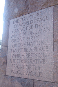 Franklin Delano Roosevelt Memorial. (Image taken with FinePix F10 at ISO 200, f3.2, 1/350 sec and 10.4mm)