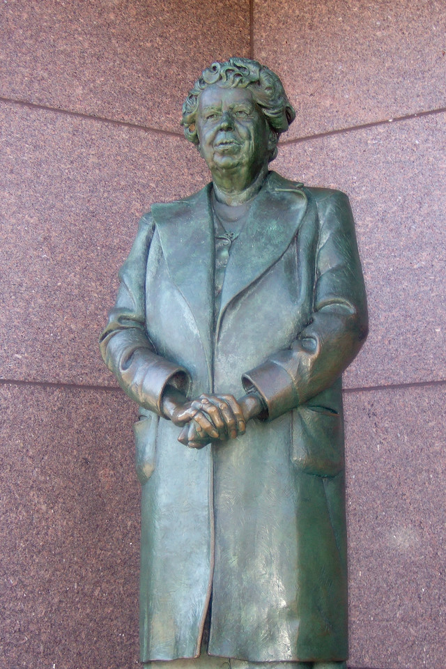Franklin Delano Roosevelt Memorial. (Image taken with FinePix F10 at ISO 200, f3.2, 1/110 sec and 10.4mm)