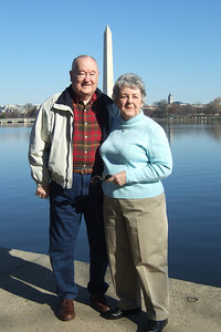 Grady and Mary Clare in front of the Washington Monument. (Image taken with FinePix F10 at ISO 80, f5.6, 1/419 sec and 10.4mm)