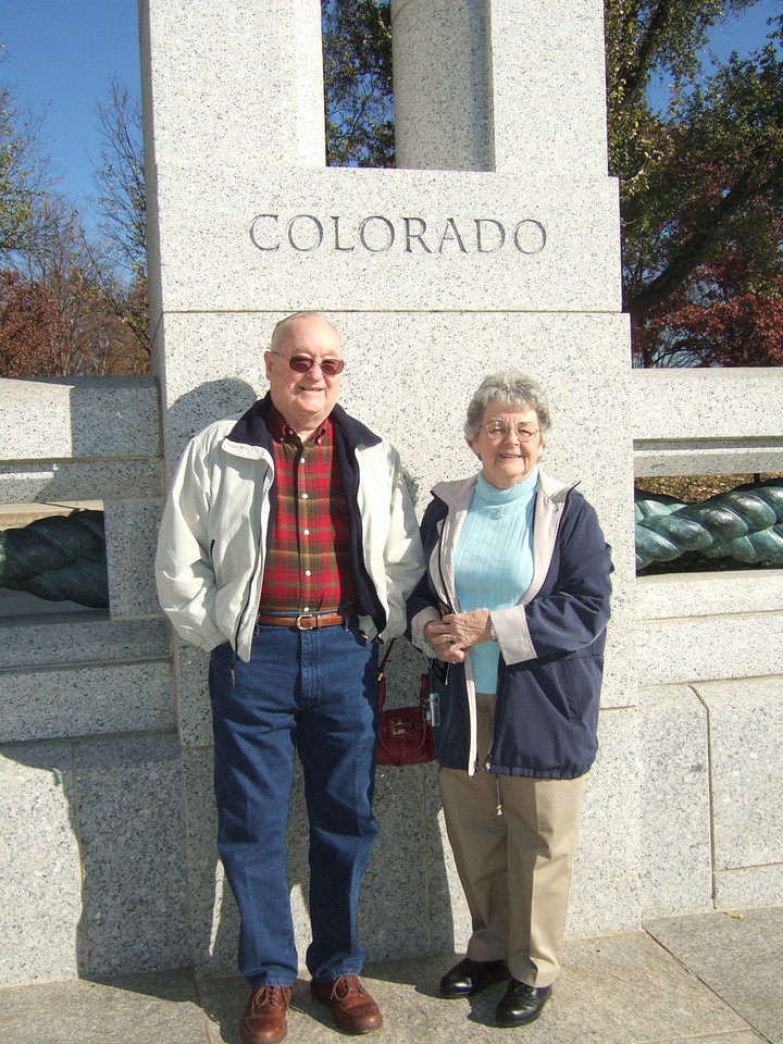 Pat's parents, Grady and Mary Clare, at the National World War II Memorial. (Image taken with FinePix F10 at ISO 200, f6.4, 1/800 sec and 8mm)