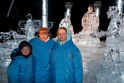 Christopher, Kathy and Sydney in front of an ice nativity scene at Gaylord National's ICE! (24 Dec 2009) (Image taken by Patrick R. Kane on 24 Dec 2009 with Canon EOS 20D at ISO 400, f4.0, 1/60 sec and 21mm)