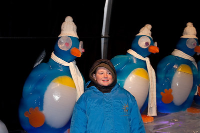 Christopher and the penguins at Gaylord National's ICE! (24 Dec 2009) (Image taken by Patrick R. Kane on 24 Dec 2009 with Canon EOS 20D at ISO 400, f4.0, 1/60 sec and 25mm)