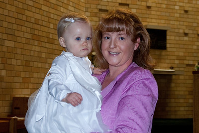 Emerald's baptism (19 Jul 2009) (Image taken with Canon EOS 20D at ISO 400, f4.0, 1/60 sec and 33mm)