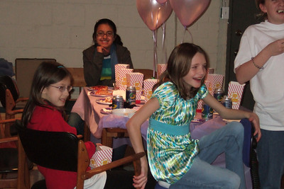 Sydney's 11th Birthday (09 Jan 2009) (Image taken with FinePix F10 at ISO 800, f4.0, 1/100 sec and 16.1mm)