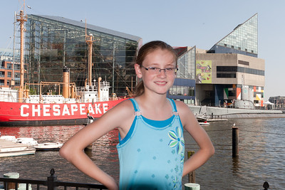 Sydney in front of the acquarium in Baltimore's Inner Harbor (Image taken by Patrick R. Kane on 29 Aug 2010 with Canon EOS 20D at ISO 200, f11.0, 1/250 sec and 23mm)