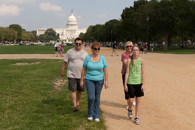 Kathy and  Sydney Kane on the National Mall with Kathy's sister, Gale, and brother-in-law, Ivan Milic. (Image taken by Patrick R. Kane on 28 Aug 2010 with Canon EOS 20D at ISO 200, f11.0, 1/400 sec and 28mm)
