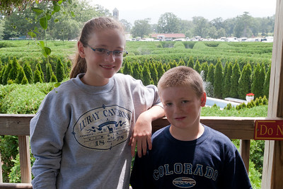 Sydney and Christopher inside the Garden Maze at Luray Caverns (Image taken by Patrick R. Kane on 15 Aug 2010 with Canon EOS 20D at ISO 200, f9.0, 1/200 sec and 28mm)