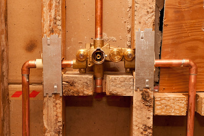Shower valve. (Image taken by Patrick R. Kane on 05 Aug 2011 with Canon EOS-1D Mark III at ISO 400, f5.6, 1/60 sec and 35mm)